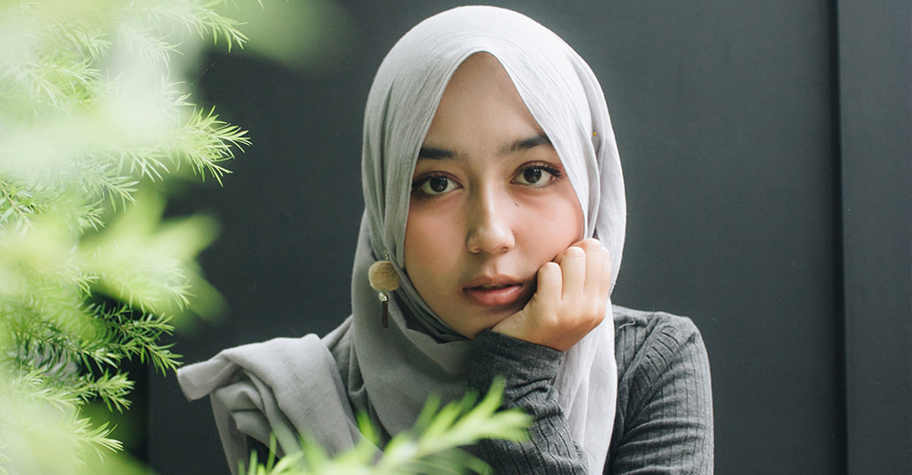 The Kind Face in the Hijab