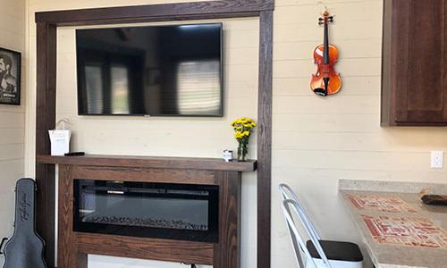 flatscreen tv in music city tiny home