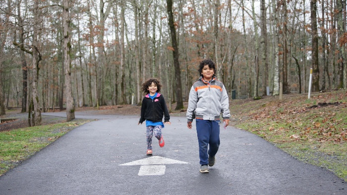 How to Embrace Unschooling on Your Roadschool Journey