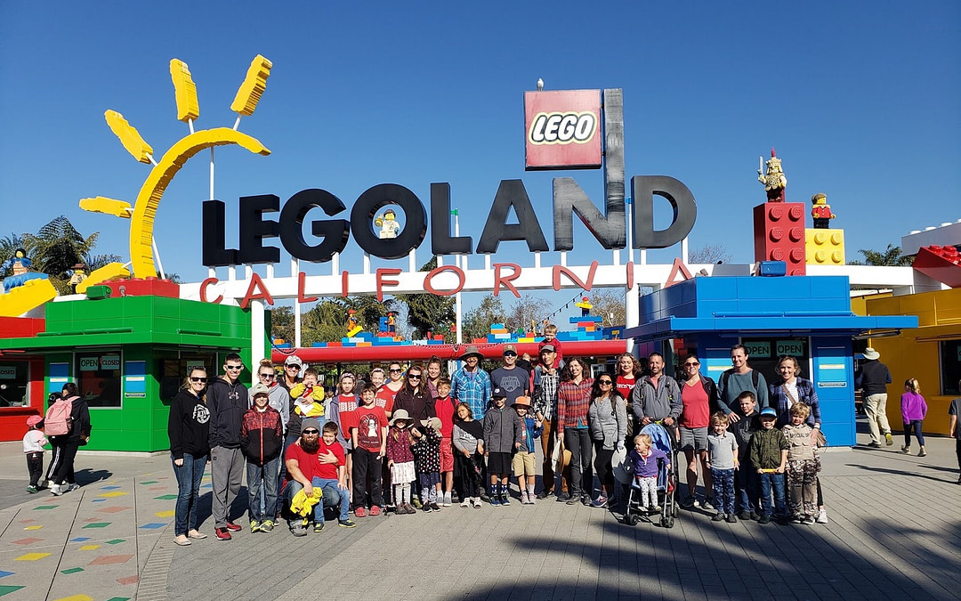 Fulltime Families Paints Legoland California Red