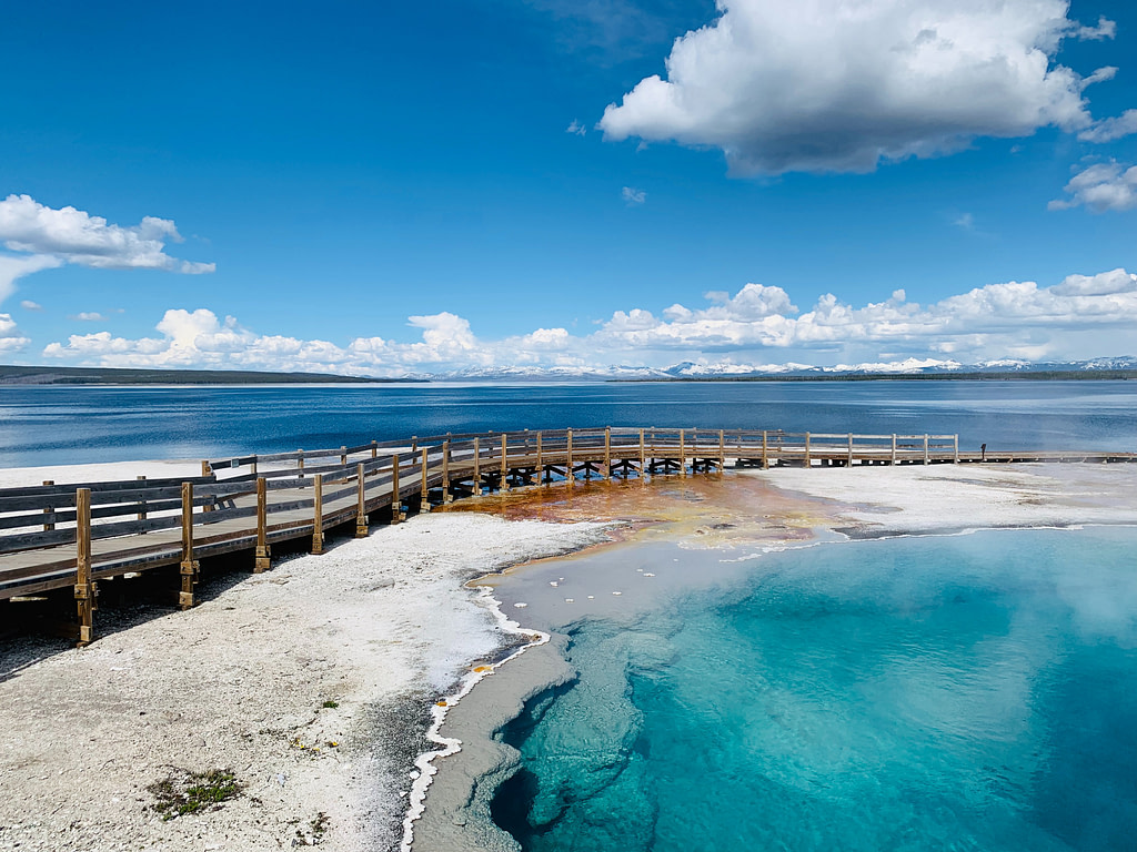 Yellowstone Things to do: West Thumb Geyser Basin